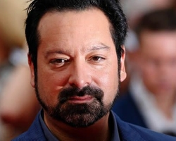 James Mangold director de Logan, firma para dirigir remake de 'Disorder'