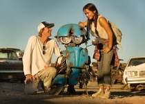 Michael Bay - Isabela Moner - Transformers: The Last Knight